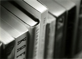 Black and white books / http://www.flickr.com/photos/book_slut/109361863/